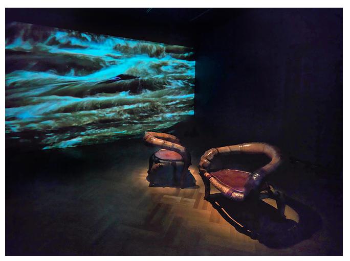 Marcelo Villegas Doble Curva chair ,Clemencia Echeverri Treno video