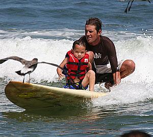 surfers-healing-bird