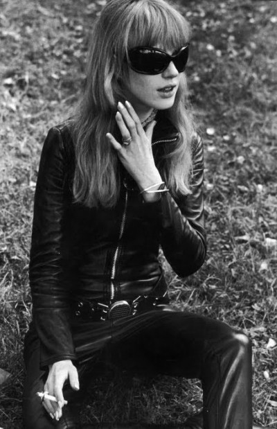 021Marianne-Faithfull-The-Girl-on-a-Motorcycle-1968-leather-catsuit-by-Lanvin-400x619